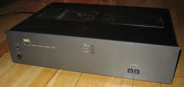 NAD 2140 power amplifier for repair