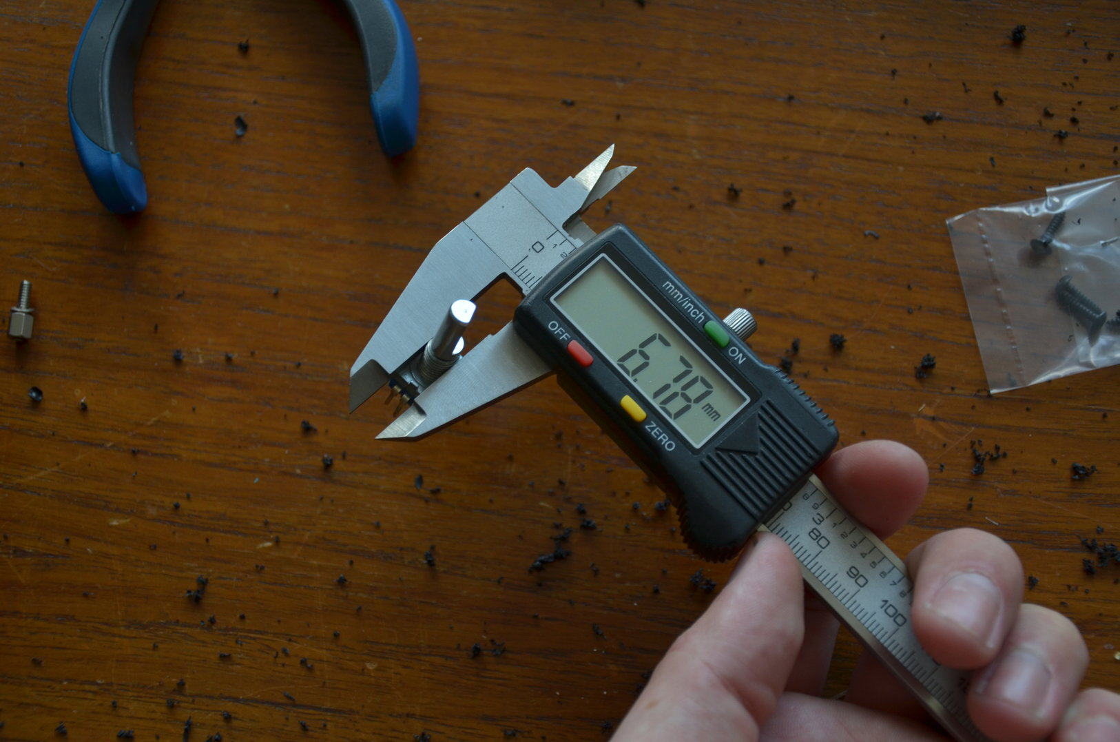 The rotary knob needs a 7 mm hole